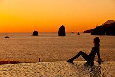 Scopri le Isole Eolie con noi: http://www.imperatore.it/scheda_sicilia_tour-delle-isole-eolie-in-hotel-3-stelle-a-lipari.cfm
