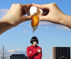 Surreal Photoshop and selfie skills from Izumi Miyazaki Miyazaki, Creative Photography, Portrait Photography, Japanese Photography, Photography Gallery, Artistic Photography, Photography Ideas, Forced Perspective Photography, Perspective Photos