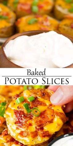 Baked Potato Slices, Baked Potato Toppings, Baked Potato Oven, Stuffed Baked Potatoes, Sliced Baked Potatoes, Crispy Bacon In Oven, Potato Skins Appetizer, Potatoe Skins Recipe, Potato Appetizers