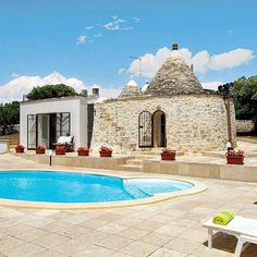The perfect villa for couples, this trullo sleeps two in a very comfortable style. Situated in Locorotondo in the Puglia region of southern Italy this traditional house has been restored and comfortably furnished with simple décor in keeping with the design of the existing trulli. Not too far away is the UNESCO World Heritage town of Alberobello, definitely worth a visit to witness its picturesque, hillside trulli houses and to sample some fantastic local dishes and gelato…