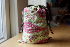 One of the simplest drawstring bag tutorial I think I've come across yet...like how the edges are finished 1st.