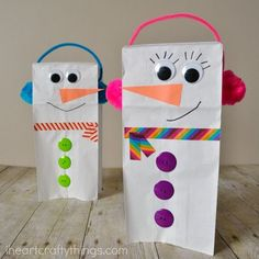 Bring the winter fun indoors for kids with this Paper Bag Snowman Puppet. A darling snowman winter kids craft that they can play with all afternoon. Need excellent tips and hints concerning arts and crafts? Head out to this fantastic site! Preschool Christmas, Noel Christmas, Christmas Activities, Craft Activities, Winter Preschool Crafts, Snowman Craft Preschool, Indoor Activities, Winter Crafts For Kids, Winter Kids