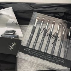 Whether you're looking to apply, blend or shade eyeshadow this Eye Brush Set is perfect for you. Selection of eyeshadow brushes. Eyeshadow Brush Set, Eye Makeup Brushes, Shed Design, Free Delivery, Eyeliner, How To Apply, Eye Liner, Eyeliner Makeup