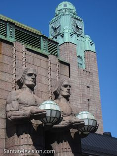 Europe Video Production travel photo: Helsinki Railway station in Finland designed by architect Eliel Saarinen - Finnish tourism Lappland, Places Around The World, Travel Around The World, Finland Country, Visit Helsinki, Bon Plan Voyage, Baltic Cruise, Regions Of Europe, Photo Voyage