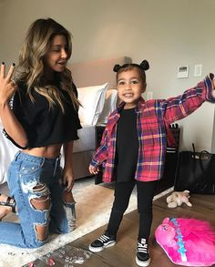 Lol, this little girl has the best style! Little Kid Fashion, Baby Girl Fashion, Toddler Fashion, Kids Fashion, Girly Outfits, Simple Outfits, Kids Outfits, Baby Outfits, North West Kardashian