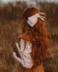 Ginger Hair Girl, Ginger Girls, Hair Reference, Event Dresses, Girl Photography, Her Hair, Girl Hairstyles, Redheads, Long Hair Styles
