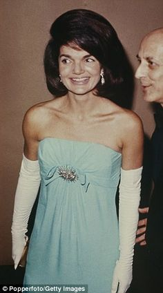 She was America's First Lady — and still plain Jackie Kennedy — when I was invited to an informal supper with Jackie and her husband at the White House, writes Sandra Howard. Jacqueline Kennedy Onassis, Jackie Kennedy Wedding, Jackie Kennedy Style, Jaqueline Kennedy, Lou Fashion, First Ladies, Desi Wedding Dresses, Lady, Style Icons