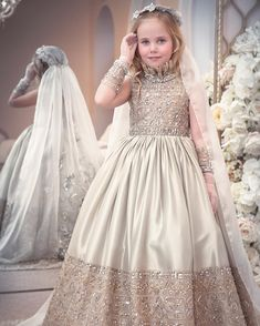 Haute Couture for Kids Little Girl Dresses, Girls Dresses, Flower Girl Dresses, Old Dresses, Cute Dresses, Kids Party Wear, Kids Gown, Baby Dress Patterns, Kids Frocks