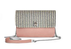 De Marquet - Night&Day: The Night&Day is a very versatile handbag with interchangeable covers that adapts to your style. This model features a light pink base and a denim embroidered cover. Find your combination at www. Day Bag, Day For Night, Finding Yourself, Your Style, Base, Denim, Cover, Pink, Fashion