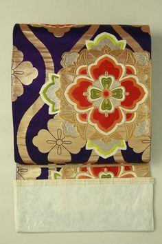 Purple fukuro obi, rokutsu / 紫色地 花立涌向かい蝶華紋柄 六通袋帯   #Kimono #Japan  http://www.rakuten.co.jp/aiyama/
