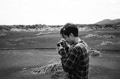 錦戸 亮💙さんはInstagramを利用しています:「夜更かし。 寝れない。 最近カメラにはまってます。 フィルム最高。 ちなみに写ってるのは違うカメラ #contaxt3」
