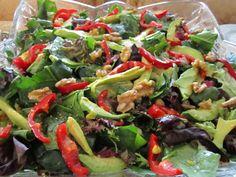 Avakodolu ıspanak salatası