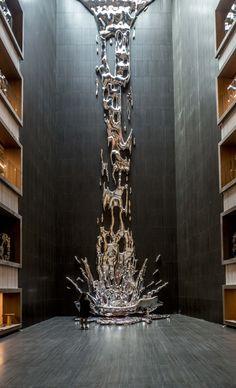 Madrid VP Hotel. Atrium sculpture by Pere Gifre