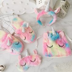 Cute unicorn design, ultra-soft and plush fleece fabric. The perfect sleepover set for any fan of the mighty elusive unicorn. Sizing Guide: Eye mask: Drawstring bag: Hair hoop: Slipper: womens M Unicorn Room Decor, Unicorn Rooms, Unicorn Bedroom, Unicorn Gifts, Unicorn Party, Unicorn Eyes, Rainbow Unicorn, Cartoon Unicorn, Unicorn Nails