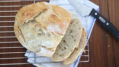 Crazy easy homemade artisan bread {only 4 ingredients!} - It's Always Autumn Artisan Bread Recipes, Easy Bread Recipes, Cooking Recipes, Pastry Recipes, Easiest Bread Recipe Ever, Pain Artisanal, Cake Mix Cookies, Easy Meals, Favorite Recipes