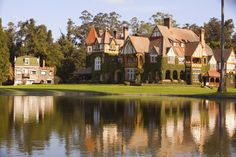 Huetel Estate from the Álzaga Unzué family in Buenos Aires, Argentina… Most Beautiful Cities, Beautiful Homes, Rich Home, Culture, Dream Vacations, Places To Visit, Villa, Exterior, Mansions