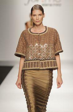 Elena Mirò 2013 Plus Size... Love the skirt...I don't really like the top...:)