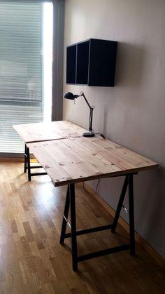 Escritorio de palets escritorios con palets pinterest - Caballetes para tableros ...