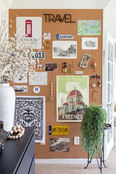 If you're looking to show off a collection of items, why not install a corkboard wall? I'm showing you how I displayed my travel items with some corkboard! Cork Board Ideas For Bedroom, Diy Cork Board, Cork Boards, Corkboard Decor, Corkboard Ideas, Bedroom Wall, Bedroom Decor, Cork Wall, Travel Wall