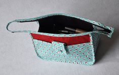 Make-Up Bag / like the zipper treatment