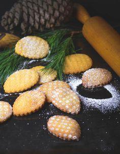 S-Küche: Pinienplätzchen - Pinienzapfen - Biscotti di pinoli