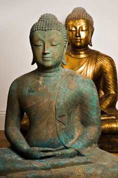 """""""The understanding you gain from practicing gratitude frees you from being lost or identified with either the negative or the positive aspects of life, letting you simply meet life in each moment as it rises. Gautama Buddha, Buddha Buddhism, Buddhist Art, Thai Buddha Statue, Buddha Statues, Buddha Kunst, Buddha Face, Religion, Buddha Painting"""