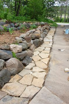 using polymeric sand with flagstone