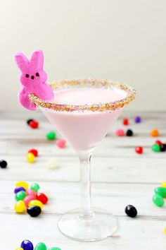 Peeps Cocktail: It doesn't get more festive than this creamy cocktail with a Peep on the side! Click through to find more holiday drink recipes for your Easter party.