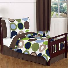 our kids becomes so happy sleep in creative toddler bed: modern window curtain mixed with dark wood floor also cool boys toddler bed with rounded set