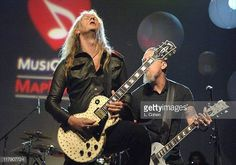 """""""Mi piace"""": 43, commenti: 1 - Jerry Cantrell from AIC (@jerrycantrell_) su Instagram: """"Feeling It.  #jerrycantrell #aic #aliceinchains"""" Rock Couple, Jerry Cantrell, Alice In Chains, Punk, Concert, Couples, Instagram, Style, Fashion"""