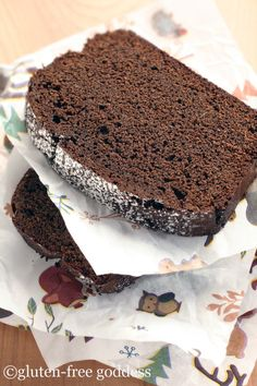 slices of gluten free chocolate gingerbread  #glutenfree, #gingerbread