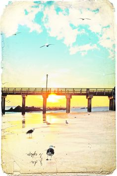 @Betti Jotzke-Torrier  This made me think of you!  Have a happy birthday!  Sunrise on the boardwalk <3   #AmericanBoardwalk