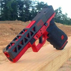 Check out this custom glock Cool Guns, Airsoft, Custom Glock, Gun Art, Guns And Ammo, Hand Guns, Weapons, Tools, Red