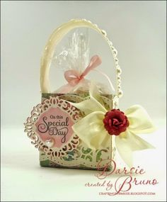 cute basket using Celebrations Labels One stamp set from JustRite papercraft and @Spellbinders Borderabilities