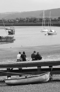 Children at the harbour