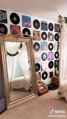 Cute Room Decor, Teen Room Decor, Indie Room Decor, Hippie Bedroom Decor, Indie Dorm Room, Room Decor Diy For Teens, Hipster Room Decor, Chill Room, Grunge Room