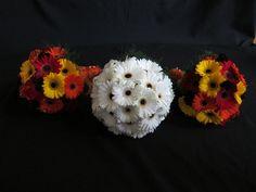 gerbera bride and bridesmaids bouquets