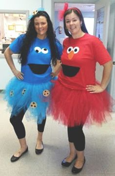 duo halloween costumes 27 Halloween Costumes To Try With Your Teacher Friends This Year Bored Teachers Cookie Monster Halloween Costume, Best Friend Halloween Costumes, Twin Halloween, Diy Halloween Costumes For Women, Halloween Outfits, Ladies Costumes, Halloween Stuff, Vintage Halloween, Halloween Makeup