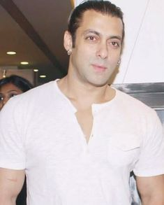 Salman Khan Wallpapers, Salman Khan Photo, Bollywood, Handsome, Big Big, Ali, Mens Tops, Rock, Yellow