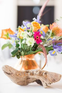 wildeflowers and driftwood table numbers/ photo by bricibene.com