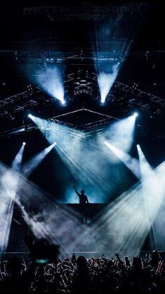 Martin Garrix Concert, Martin Garrix Show, Festivals, Concert Crowd, Edm Music, Best Dj, Armin Van Buuren, Avicii, Music Images