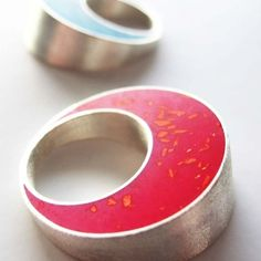 pont.vero pink ring, Pont.Vero collection. By Vero Lazar. resin, silver, Design jewelry, art jewelry, contemporary jewelry, elegant simplicity, minimal, simple, bright colours
