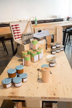 Marktstand von Horny Chef, Saas Fee Chef Shop, Saas Fee, Food Lab, Marmite, Shopping, Foods