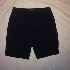 "Talbots navy blue Bermuda shorts size 2 Talbots dark navy blue Bermuda shorts. Size 2 - 9"" inseam. In excellent condition. 2% spandex. Talbots Shorts Bermudas"