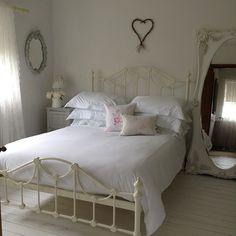 Shabby and Charme: Ambienti semplici ed eleganti a casa di Trudy