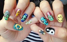 lookathernails: ​90s Grunge nail art!