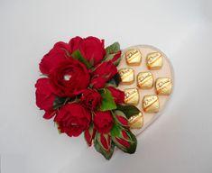 Gallery.ru / Фото #30 - Тортики - milka-galinka Valentine Day Table Decorations, Chocolate Flowers Bouquet, Candy Flowers, Candy Cakes, Diy Bouquet, Chocolate Gifts, Valentine's Day Diy, Unicorn Birthday Parties, Chocolates