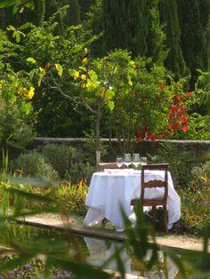 Un dîner, un jardin.   Le 8 août à Toulon  http://lerestaurantephemere.com