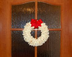 Výsledek obrázku pro věnec z popcornu Popcorn, Merry Christmas, Wreaths, Home Decor, Merry Little Christmas, Decoration Home, Door Wreaths, Room Decor, Wish You Merry Christmas