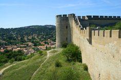 Le Fort Saint André à Villeneuve lez Avignon surplombe la ville Monument Valley, Mount Rushmore, Mountains, Nature, Travel, Outdoor Gardens, Tourism, Naturaleza, Viajes